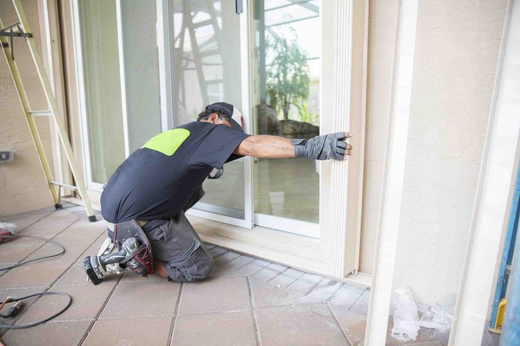 emergency sliding door repair Fort Lauderdale